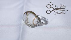 Anello wire con pietra bianca e striature color oro. Realizzato a mano. Per info contattami