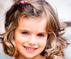 Cortes de pelo y peinados para niñas coquetas