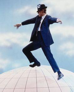 dancing on top of the world #absolutebeginnersmovie#80sflick#davidbowie #davidrobertjones #bowie #bowieforever #starman #rockstar#rocknroll #thelegendarydavidbowie #80sdavidbowie #80s #ripdavidbowie#vendicepartners