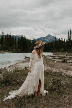 Boho Wedding Dress With Sleeves, Bohemian Wedding Dresses, Bohemian Weddings, Romantic Weddings, Indian Wedding Photography, Mehendi Photography, Couple Photography, Photography Ideas, Elope Wedding