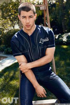 Nick Jonas para OUT Magazine Junio 2016 por Doug Inglish