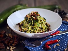 #Spring is in the air! Zucchini Spaghetti with lemon sauce <3