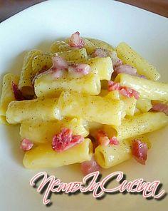 Roasted apricots and whipped cream - Healthy Food Mom Gourmet Recipes, Cooking Recipes, Healthy Recipes, Panchetta Recipes, Pasta E Fagioli, Pesto Pasta, Food Print, Macaroni And Cheese, Roast