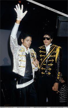 Michael Jackson (Madame Toussaud's Wax Museum?)