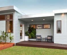 Granny Pods Are Trending and They're Totally Genius - PureWow pods backyard cottage modern Granny Pods Are Trending and They're Cooler Than You'd Think Small House Plans, House Floor Plans, Small Modular Homes, Small Homes, Dream Home Design, House Design, Granny Pods, Backyard Cottage, Maine House