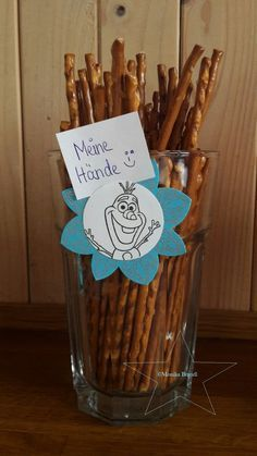 Ice Queen Party - It has been rather quiet here lately. The tax had to be paid, the production of Christmas presents - Frozen Party Favors, Olaf Party, Frozen Party Games, Frozen Party Decorations, Frozen Invitations, Frozen Themed Food, Frozen Themed Birthday Party, Disney Frozen Birthday, Birthday Party Themes