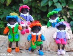 """Deze grappige """"trapeze pietjes"""" heb ik gemaakt, ze zijn van atelier Anemoontje . Ze zijn zo leuk om te maken, al die vrolijke kleurtjes..."""