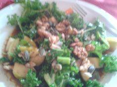 Kale && Apple Salad with Balsamic Vinegar