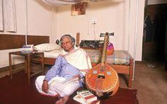 Avul Pakir Jainulabdeen Abdul Kalam Family, Auto, Home Photos, Wallpapers Apj Quotes, Gentlemens Guide, Kalam Quotes, Abdul Kalam, Home Photo, Spiritual Quotes, Besties, Legends, Hero