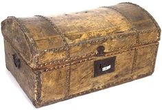 64: 18TH CENTURY HIDE COVERED DOCUMENT BOX : Lot 64