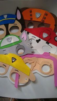 Máscaras da Patrulha canina em EVA, com ilhós e elástico, são muito bem feitas e resistentes ,deixam sua festa bem colorida e animada, ,fazemos todos os personagens na quantidade de sua escolha.  As máscaras vão embaladas em saquinho de celofane transparente com etiqueta da loja.