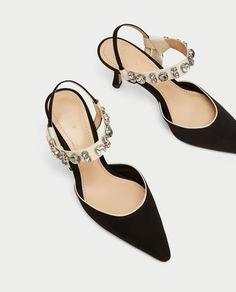 ddac89e11d3d0 Image 4 de CHAUSSURES À TALONS OUVERTES À L  de Zara Zara Shoes
