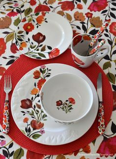 Bring the garden to the table with Tulips from the Kim Parker Collection, by Gourmet Basics by Mikasa | homeiswheretheboatis.net #tablescape