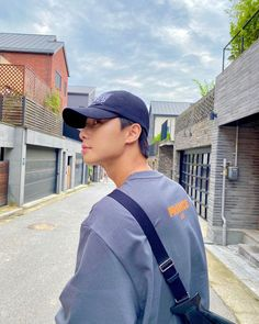 W Kdrama, Kdrama Actors, Lee Hyun Woo, Lee Jong Suk, Asian Actors, Korean Actors, Park Seo Joon Instagram, Joon Park, Park Bo Gum