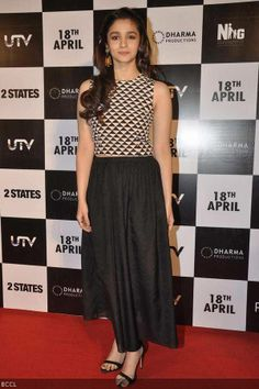 The hugely anticipated trailer of the Arjun Kapoor and Alia Bhatt starrer States' was launched at a gala event today. The trailer of the movie w. Indian Actress Photos, Beautiful Indian Actress, Indian Actresses, Bollywood Outfits, Bollywood Fashion, Bollywood Actress, Ethnic Fashion, Indian Fashion, Arjun Kapoor