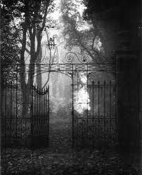 Edwin Smith Gates, Hardwich House Park Bury St Edmunds, Suffolk, 1955 From Evocations of Place: The Photography of Edwin Smith Haunted Places, Abandoned Places, Haunted Houses, Imagen Natural, Bury St Edmunds, Gothic Aesthetic, Dark Photography, Dark Places, Dark Fantasy