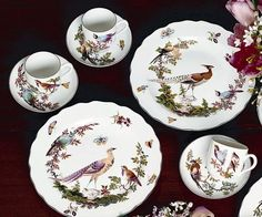 Chelsea Bird Five-Piece Place Setting Baccarat Crystal, China Cups And Saucers, Porcelain Dinnerware, Elegant Table, Bird Design, Luxury Home Decor, Fine China, Chelsea, Decorative Plates
