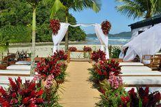MARA PEREZ ARQUITETURA DE FESTAS Wedding Decorations, Wedding Ideas, Table Decorations, Marsala, Big Day, Parties, Party Ideas, Play, Beach