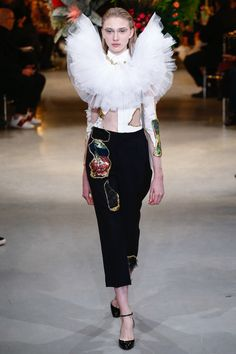 rouches (viktor & rolf couture lente 2017)