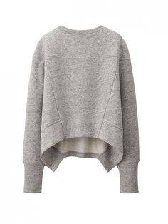 What to Wear with Your Sneakers This Fall // Urban Sweat Long Sleeve Pullover at Uniqlo #shopping