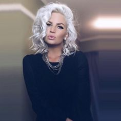 Icy Blonde Hairstyles That'll Convince You to Go White. Icy blonde hair is the coolest trend right now, and you've probably seen many girls rocking it. White Hair Toner, White Blonde Hair, Platinum Blonde Hair, Gray Hair, Blonde Wig, Icy Blonde, Silver Platinum Hair, Silver Hair Dye, Short White Hair