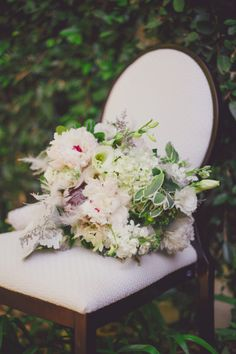 #Wedding #flowers ideas - #bouquets: http://www.weddingandweddingflowers.co.uk/article.php?id=272