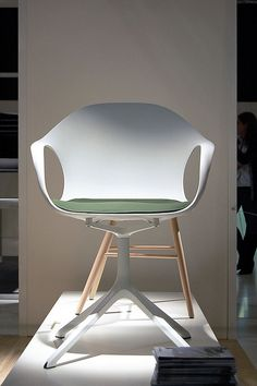 The Elephant chair by Neuland Paster & Geldmacher - Kristalia #whitechair #neuland #armchair