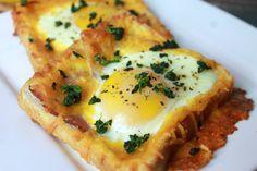 Cheesy Egg Toast #chesetoast #eggtoast #foodielicious #foodieliciousblog #foodrecipe #recipe #chefboyarme #wannabechef #breakfast #quickbreakfast #simplebreakfast