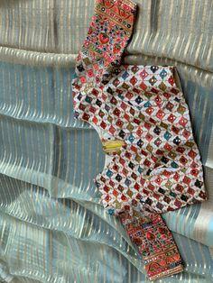 Brocade Blouse Designs, Pattu Saree Blouse Designs, Designer Blouse Patterns, Fancy Blouse Designs, Lehenga Designs, Kalamkari Dresses, Hand Work Blouse Design, Modern Saree, Durga