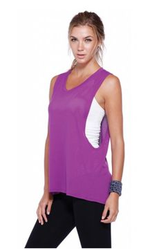 Mesh High-Low Hem Relaxed Basic Workout Top in Grape.