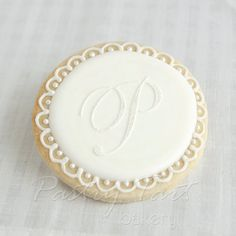Items similar to Wedding Cookie Favors Monogram Letter - Vintage Lace Pearl - 1 doz. - Bridal Shower Favors - Initial Personalized on Etsy Fancy Cookies, Iced Cookies, Cookies Et Biscuits, Cupcake Cookies, Sugar Cookies, Vintage Cookies, Flower Cookies, Heart Cookies, Valentine Cookies
