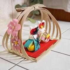 Flower Crafts, Diy Flowers, Hina Matsuri, Diy And Crafts, Arts And Crafts, Japan Crafts, 3d Quilling, Mid Autumn Festival, Miniture Things