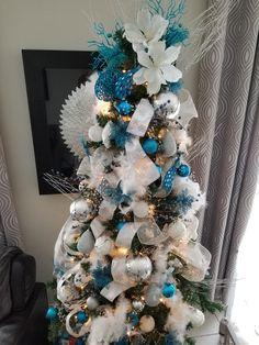 Blue Christmas tree www.ladolceveeta.com