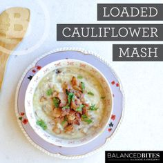 Paleo Loaded Cauliflower Mash - Who doesn't love some comfort food once and a while? This savory, creamy, and flavorful dish totally hits the spot. And, for you bacon lovers out there, I've got you covered! #food #paleo #grainfree #glutenfree #dairyfree #maindish #breakfast #loaded #cauliflower #mash