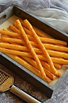 Isteni bögrés házi sajtos ropi in 2020 Vegetarian Recipes, Cooking Recipes, Snack Recipes, Smoothie Fruit, Savory Pastry, Good Food, Yummy Food, Salty Snacks, Hungarian Recipes