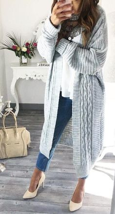 #fall #fashion ·  Grey Cardigan // White Top // Skinny Jeans