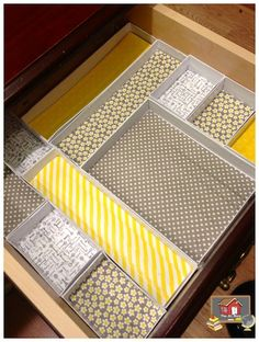 Or use ikea drawer organizers - Custom Teacher Desk Organizers--use cardboard jewelry boxes and washi tape (I'd use scrapbook paper, way faster than sticking the tape down w/ the patterns lined up) Organisation Hacks, Teacher Desk Organization, Organized Teacher Desk, Teacher Desks, Cardboard Jewelry Boxes, Cardboard Drawers, Cardboard Crafts, Drawer Organisers, Desk Drawer Organizers