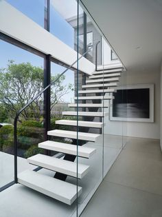 Long Island House by Stelle Lomont Rouhani Modern Stairs House Island Lomont long Rouhani stelle Home Stairs Design, House Design, Loft Design, Long Island House, Escalier Design, Glass Stairs, Glass Railing, Glass Walls, Exterior Stairs