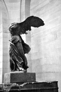 Winged Victory - Nike of Samothrace, Louvre - Paris-- so beautiful in person! Winged Victory Of Samothrace, Sculptures, Lion Sculpture, Louvre, Art Sketchbook, Art History, Victorious, Art Photography, Art Gallery