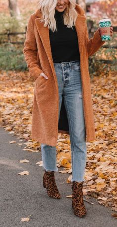 Now we look at what fashion trends made for this fall and winter. cute fall outfits to buy. Shop cute fall outfits for Women, find new cute fall outfits Winter Outfits For Teen Girls, Winter Mode Outfits, Cute Fall Outfits, Winter Fashion Outfits, Boho Outfits, Look Fashion, Autumn Fashion, Casual Outfits, Bohemian Winter Fashion