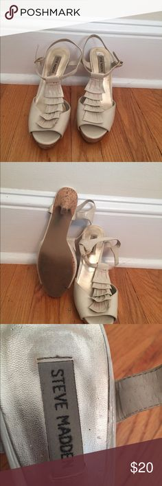 Steve Madden heels Ruffled cream Steve Madden heels with gold buckle. They are a little worn but are super comfy. Steve Madden Shoes Heels