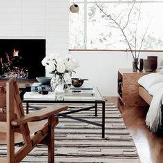 This living room #livingroom #living #interiorinspo #interiordesign #leatherfurniture #scandinavianfurniture #scandinavian #homewares #coffeetable