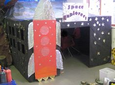 Space Explorers Display- great for a classroom or stage. Space Classroom, Eyfs Classroom, Classroom Organisation, Classroom Environment, Primary Classroom, Classroom Themes, Classroom Displays Ks1, Classroom Resources, Primary Teaching