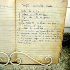 Suflê de milho - receita de família - Simples Assim Old Italian Recipes, Vintage Recipes, Carne, Quiches, Food, Family Recipes, Corn Souffle, Carrot Souffle, Food Cakes