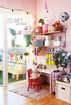 habitacion juegos niños 500x743 Una habitación infantil llena de color y optimismo