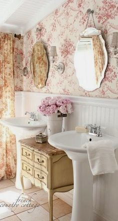 Vintage shabby chic bathrooms can turn into very cute baths with just a little effort. Vintage mirrors will be perfect for your shabby chic bathroom. To complete your shabby chic bath you can buy shabby chic accessories. Cottage Bathroom, Shabby Chic Dresser, Country Decor, French Bathroom, Cottage Decor, Bathroom Decor, French Country Bathroom, Shabby Chic Bathroom, Shabby Chic Decor