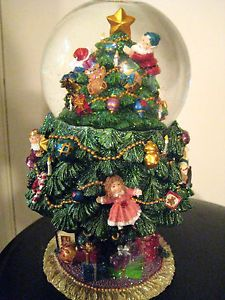 beautiful christmas snow globes   Beautiful Musical Decorated Christmas Tree Snow Globe with Movement ...