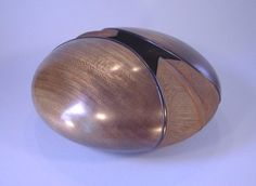 Hollow Forms by woodturner Robbie Graham
