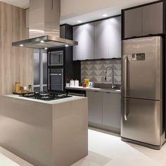 Industrial Kitchen Design, Organize Your Life, Sweet Home, Furniture, Home Decor, Instagram, 1, Victoria, Kitchen With Window