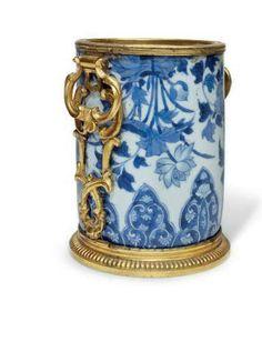 Vase monté de la fin de l'époque Régence, vers 1730